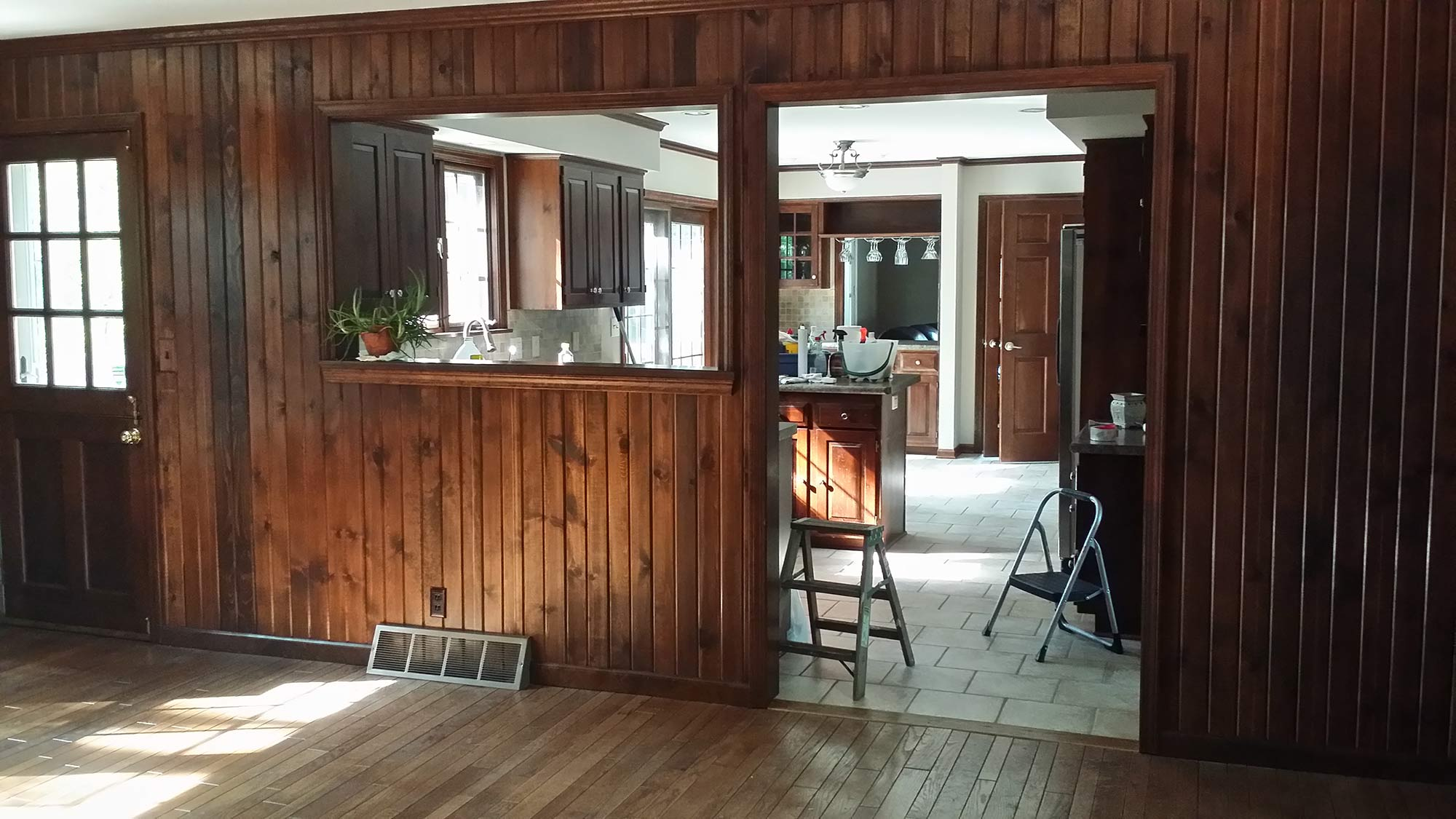 Woodridge den before staging