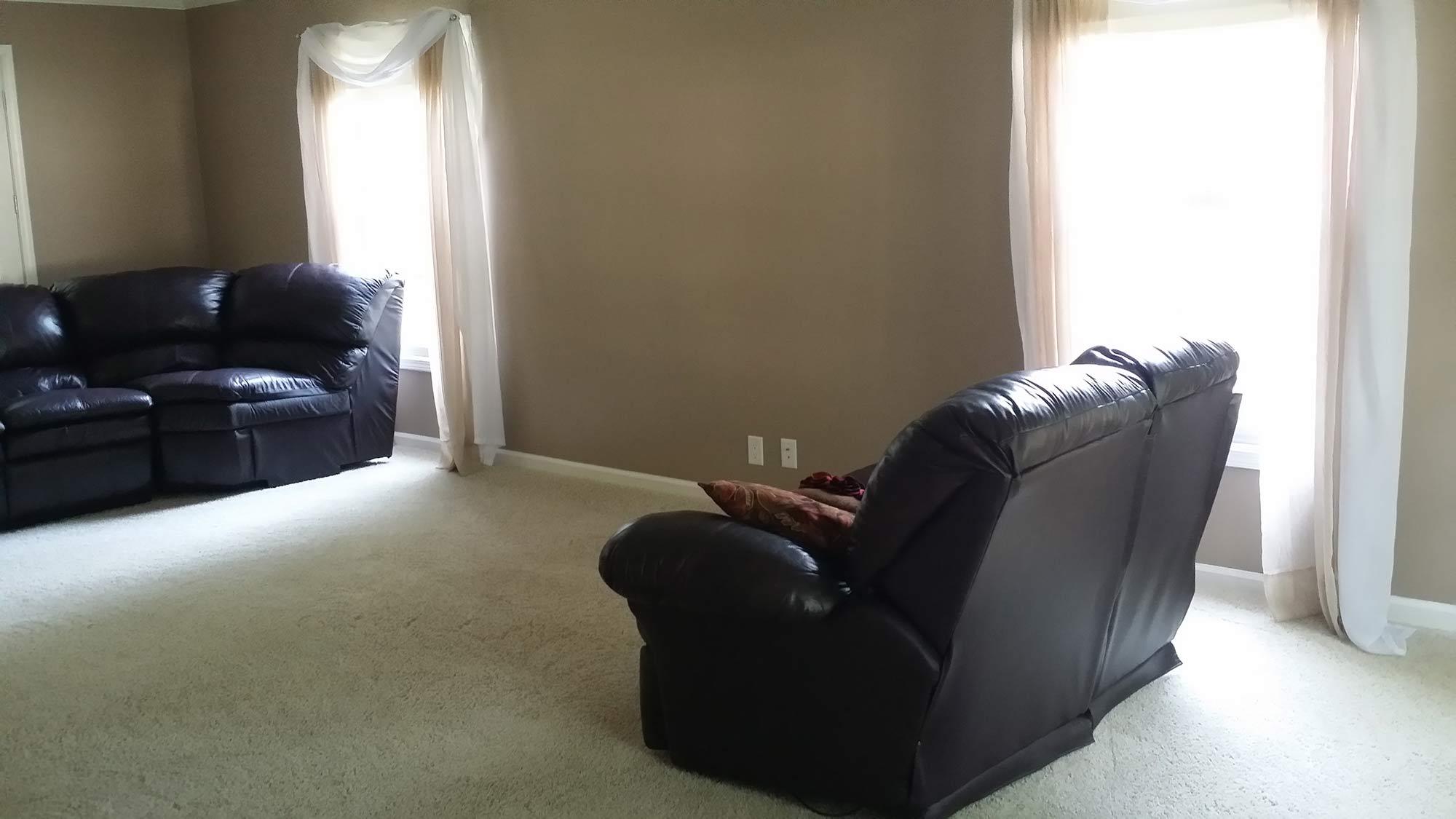 Woodridge living room before staging